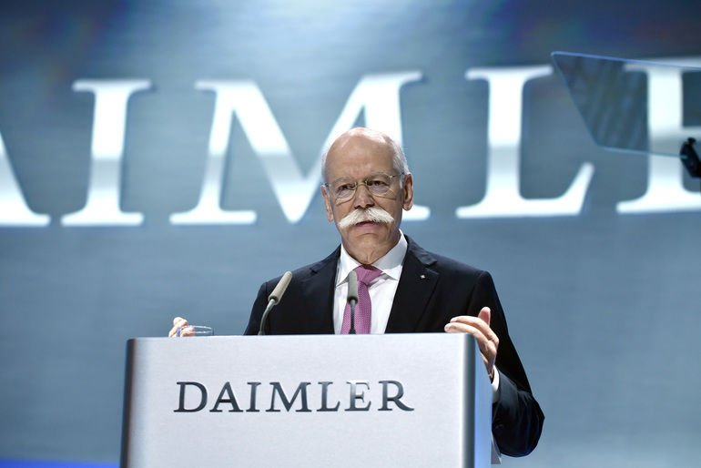 Hauptversammlung_der_Daimler_AG_am_22._Mai_2019_in_Berlin:_Dr._Dieter_Zetsche,_Vorstandsvorsitzender_der_Daimler_AG_und_Leiter_Mercedes-Benz_Cars___Annual_General_Meeting_of_Daimler_AG_on_May_22,_2019_in_Berlin:_Dr_Dieter_Zetsche,_Chairman_of_the_Board_of