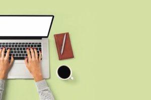 Overhead_shot_of_office_desktop