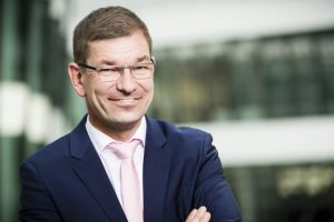 Markus_Duesmann_tritt_die_Nachfolge_von_Dr._Klaus_Draeger_als_Vorstand_für_Einkauf_und_Lieferantennetzwerk_bei_BMW_an._(Bild:_BMW)