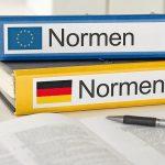 Aktenordner_mit_der_Beschriftung_Normen