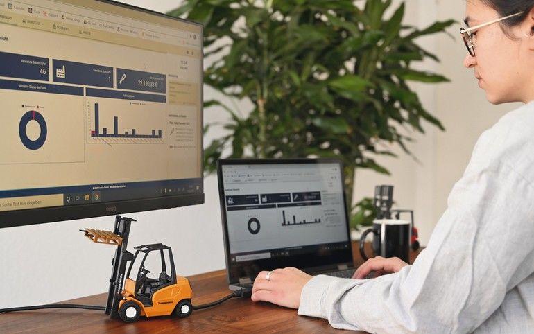 ForkOn bietet eine Software zur Verwaltung der Flurförderzeuge an.