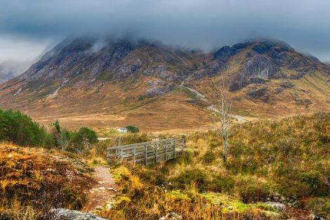 The_Devil's_Staircase_is_the_name_of_the_path_that_winds_from_Altnafeadh_in_Glencoe_up_towards_the_bealach_between_Stob_Mhic_Mhartuin_and_Beinn_Bheag._At_this_little_bridge,_it_crosses_the_Allt_a'_Mhain,_which_it_continues_to_follow_up_the_slope.__The_Wes