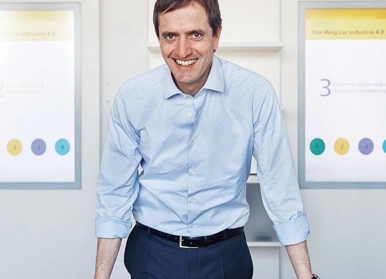Michael Henke ist Institutsleiter am Fraunhofer-Institut IML und Professor an der TUDortmund