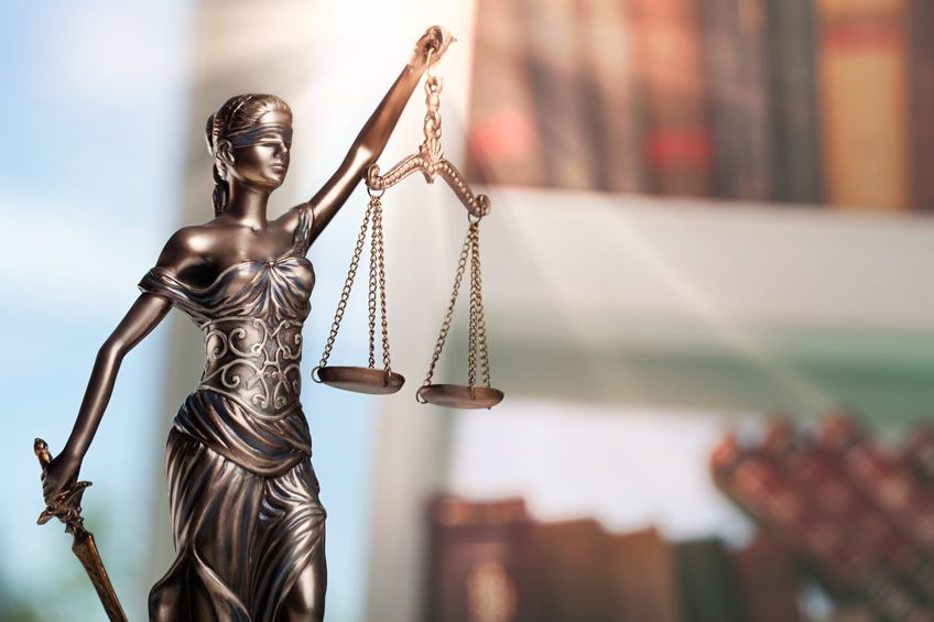 Justitia. Bild: olegdudko /123rf
