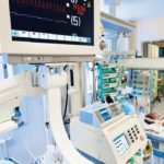 ECG_monitor_in_neonatal_intensive_care_unit