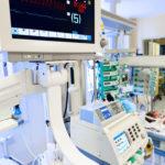 ECG_monitor_in_neonatal_intensive_care_unit