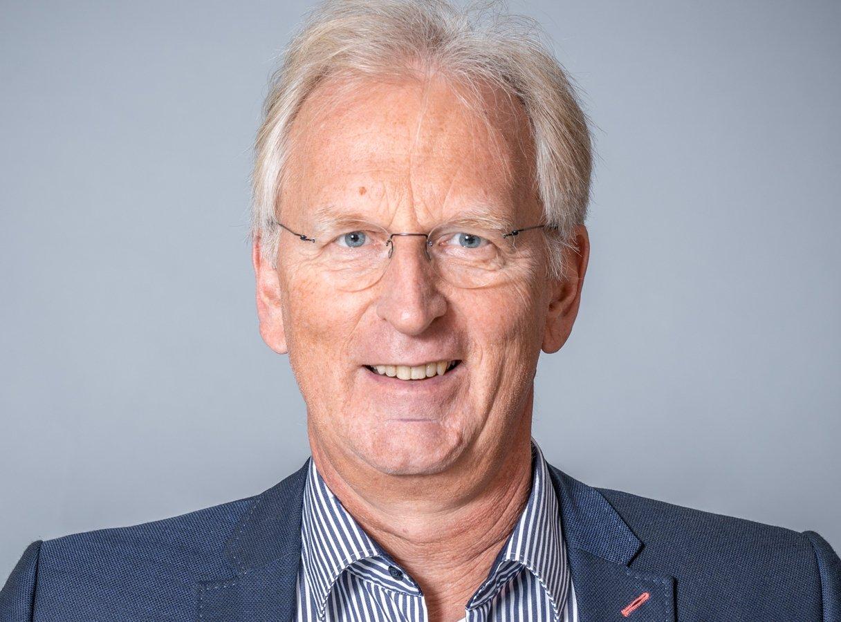 Prof. Dr. Ronald Bogaschewsky ist Lehrstuhlinhaber für BWL und IBL an der Universität Würzburg