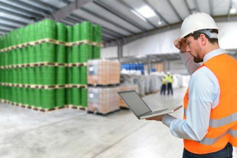 Werden im Wareneingang Mängel bei der Ware festgestellt, hat der Käufer Recht auf Neulieferung oder Nachbesserung