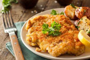 Homemade_Breaded_German_Weiner_Schnitzel_with_Potatoes