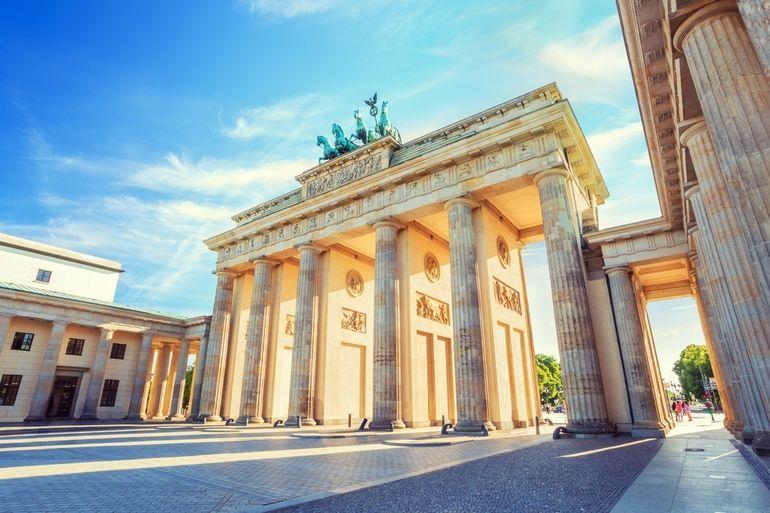 Berlin_Brandenburg_Gate,_Berlin,_Germany