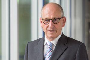 Dr._Andreas_Wendt,_Leiter_des_BMW_Group_Werks_in_Dingolfing,_aufgenommen_am_20.07.2017
