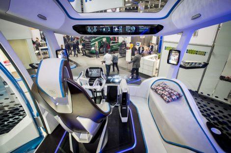 Halle_A6,_IVECO,_Future_Truck